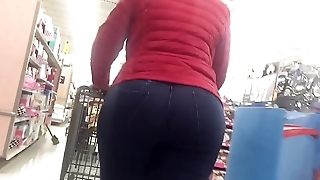 Candid 18(BIG booty in walmart)