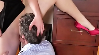 Piper Blush porn babe gets eaten in high heels